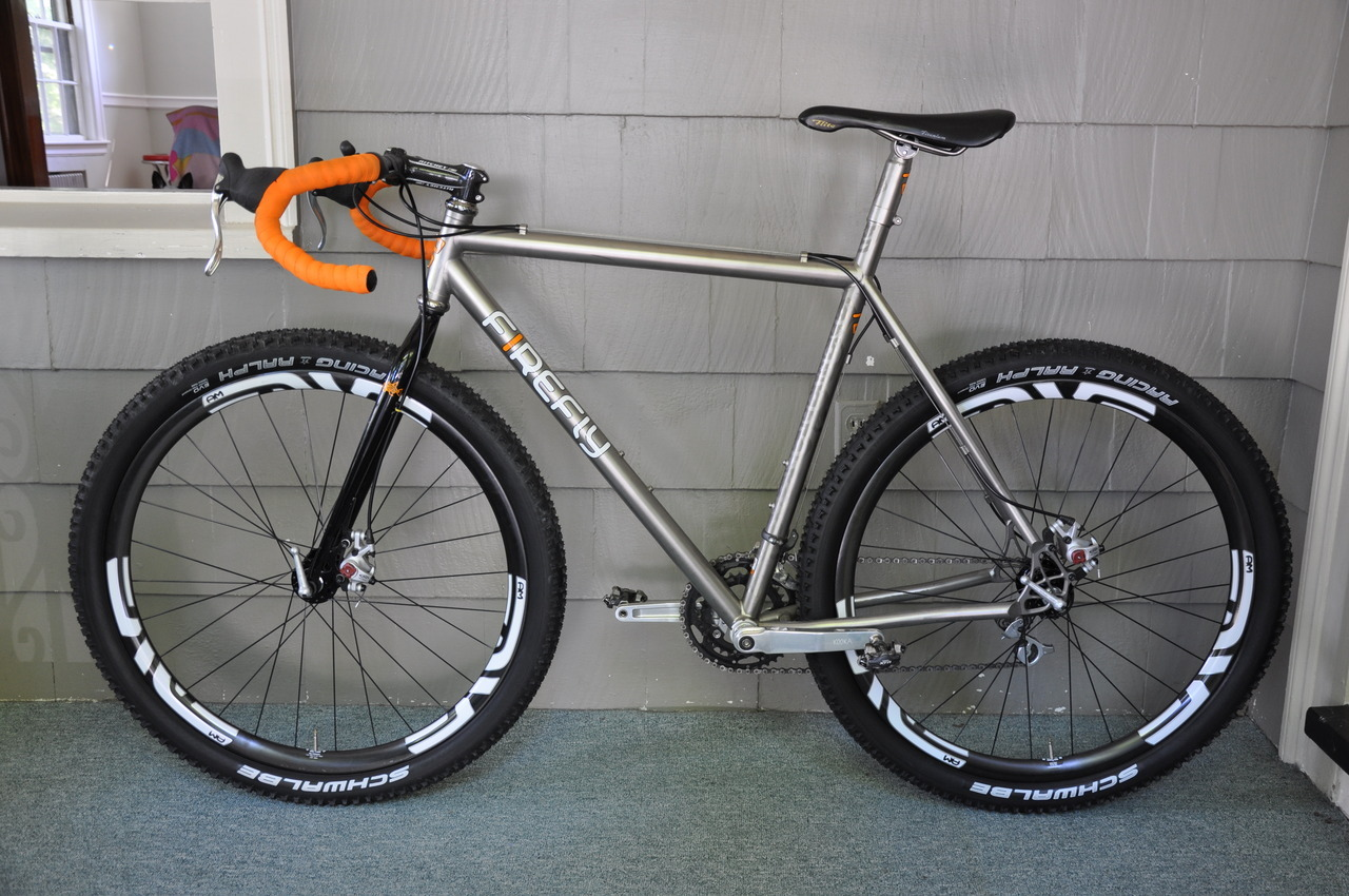 misterdangerpants:  Firefly 650B MonsterCross.  Test fit the wheels from the IF Deluxe 650 and really want to run this beast with them….