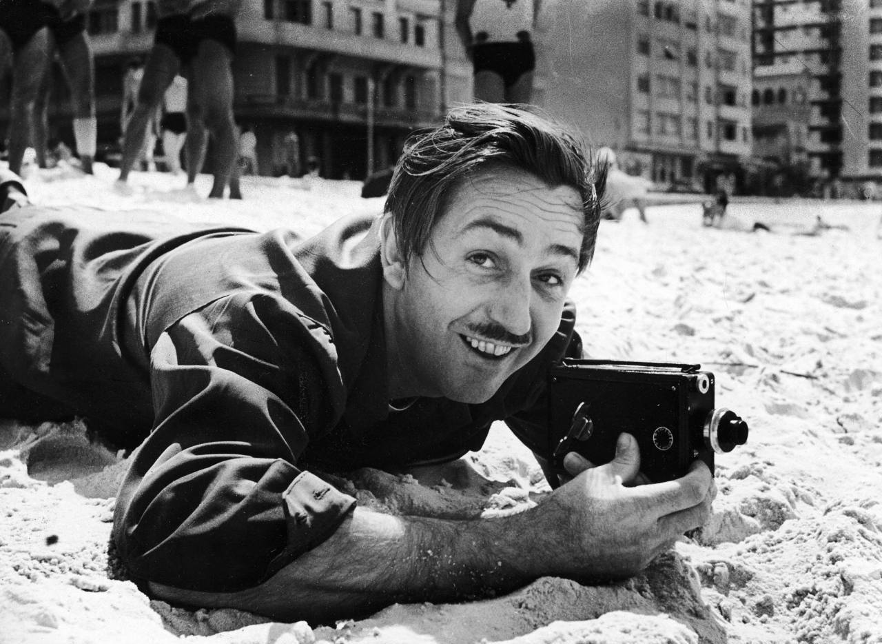 silfarione:  Walt Disney on the beach. Brazil, 1941. Photo by Hart Preston.