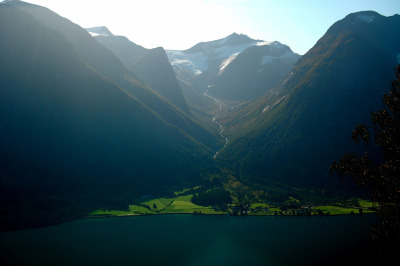 Glacier valley near Hjelle, Norway (by _Marcel_)