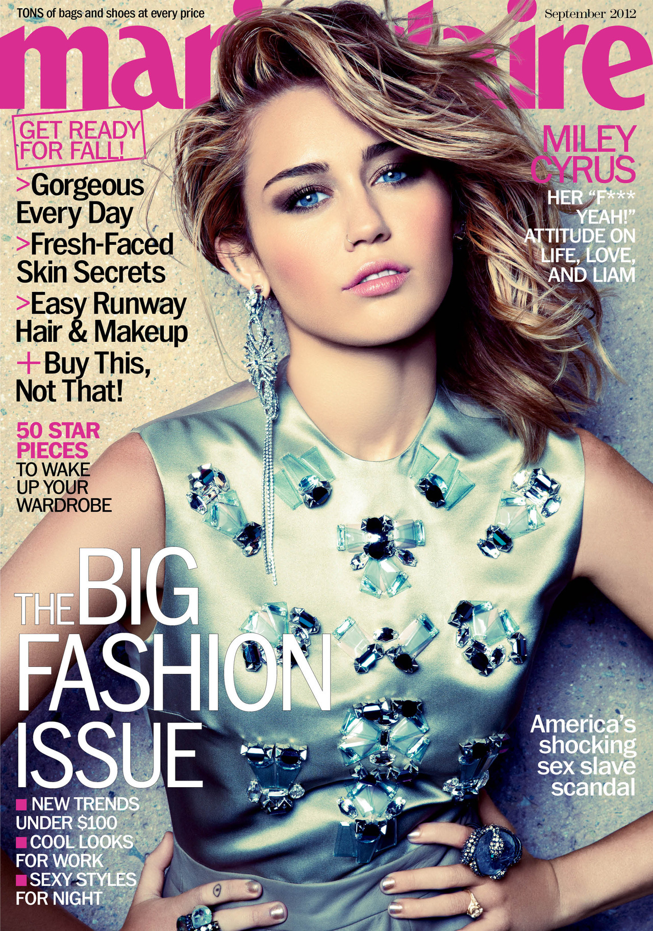 Say hello to our September covergirl! Miley Cyrus (she is wearing Christian Dior). » CLICK HERE « for more pictures.