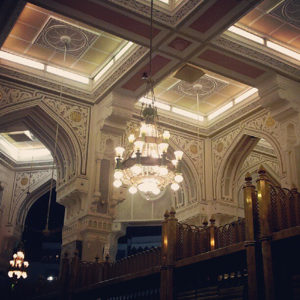 #Chandelier of #holy #Mosque in #makkah #macca  (Taken with Instagram)