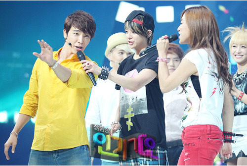 OFFICIAL, SBS Inkigayo Update – Donghae Amber..cute