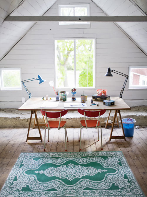 simpledesks:  Attic Brilliance: Great usage of a traditionally underused area of the home. The creativity of its owner shines through. Original source: Unknown, via Design Vox.