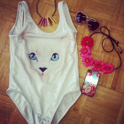 Beach day essentials. Meow!