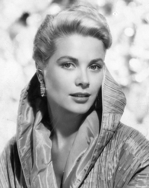 A very stylish Grace Kelly