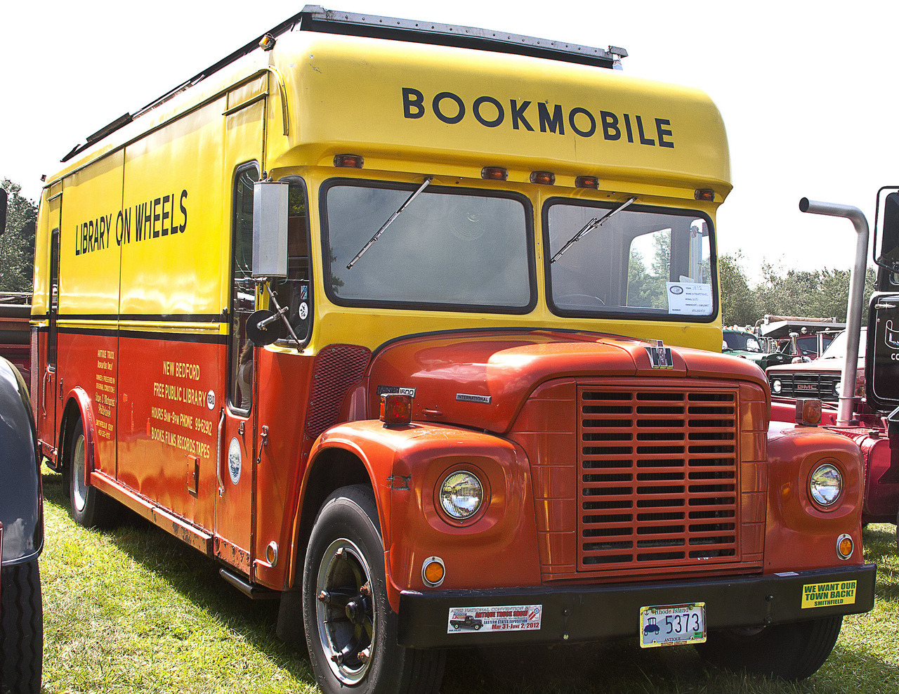 Bookmobile (via Jessamyn)