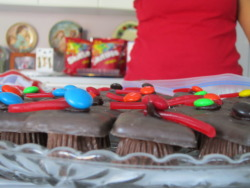 Edible Graduation Caps with Reeses Cups!Recipe hereTheCoffeeBreaker