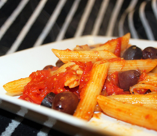 Roasted Tomatoes and Olives Pasta