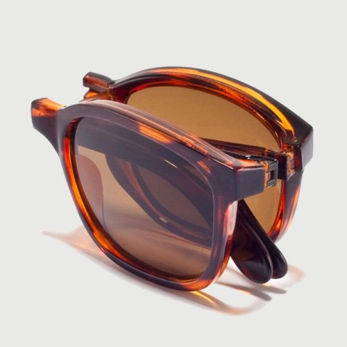 whereisthecoool:  Tonga Tortoise Sunglasses by Sunpocket