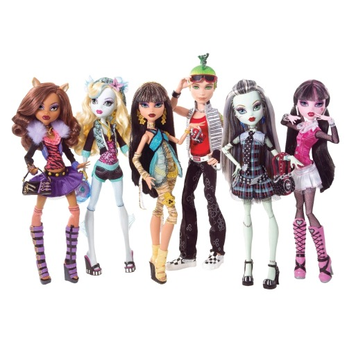 Monster High! <3 (via Monster High: bonecas monstros - filhas dos monstros |Blog de moda e estilo – Levitando… por Luciana Levy |)