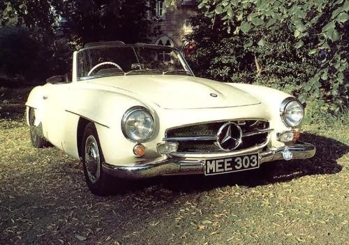 Mercedes-Benz 190SL (1959) But that you already knew.