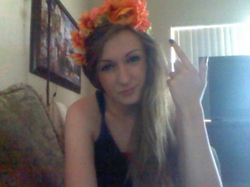 dietmtdewbby:  like my flower crown  Yes, I do. <3 A