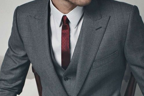 #DressWell not a fan of the skinny tie. I think the thickness of the tie should compliment the width of your jacket lapel.