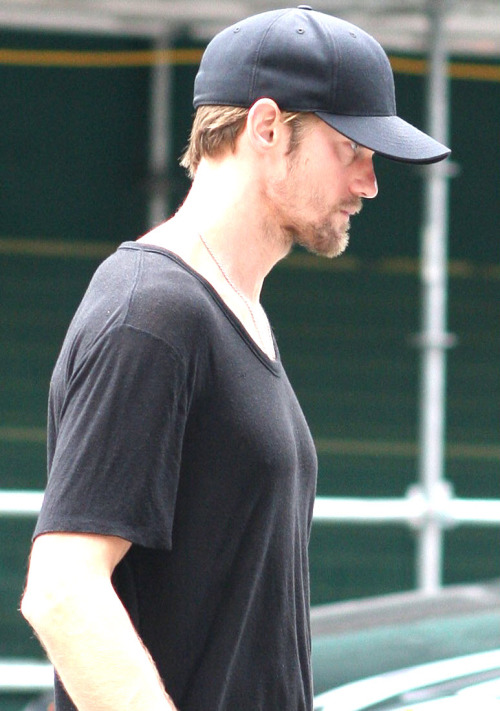 santress:  Close-up of Alexander Skarsgard in Vancouver (August 6, 2012) *Original courtesy of Just Jared