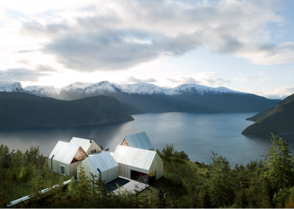 wifeand2kids: cabbagerose:  mountain lodge sognefjorden/haptic  Hello also in need of a magnificent vacation.