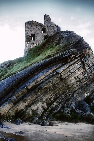 wildseduction:  Windswept Ruins - Ballybunion Castle, Ireland