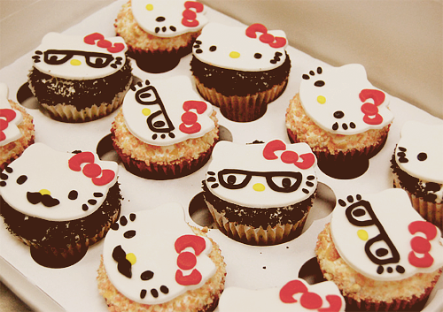 Mustache, Nerd Glasses & Hello Kitty Cute-ness! (by Animated Cupcakes)