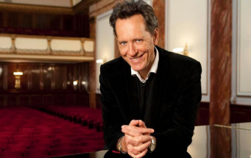 withanaccent:  Richard E. Grant to appear in Doctor Who Series 7 Christmas Special The thespian actor may be playing a villain in the episode which will see the introduction of The Doctor's latest companion.
