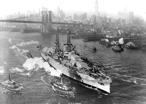 collective-history:  USS Arizona in the East River NYC 1920s
