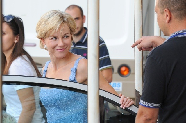 Naomi Watts Set Her New Movie Diana London July 2mb via lazygirls.info