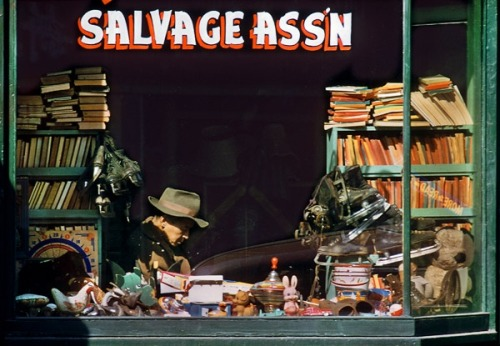 geewhizgolly:  Salvage Ass'n by Fred Herzog, Vancouver, British Columbia, 1958.