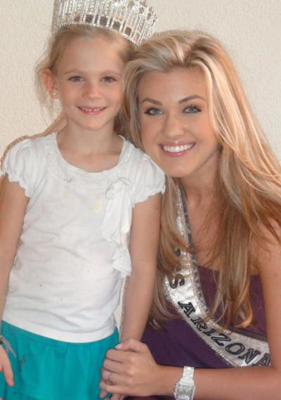 Love this cute pic of Erika Frantzve, Miss Arizona USA 2012 with a young fan :)