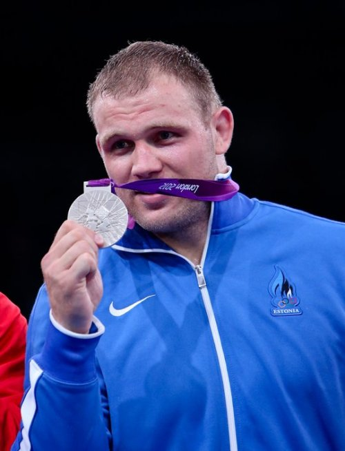 winnerkimi:  Estonian Heiki Nabi won 2nd place in Men's 120kg Greco-Roman!