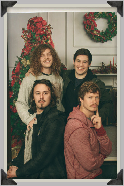 daughterofhungryghosts:  Best Christmas card EVER.