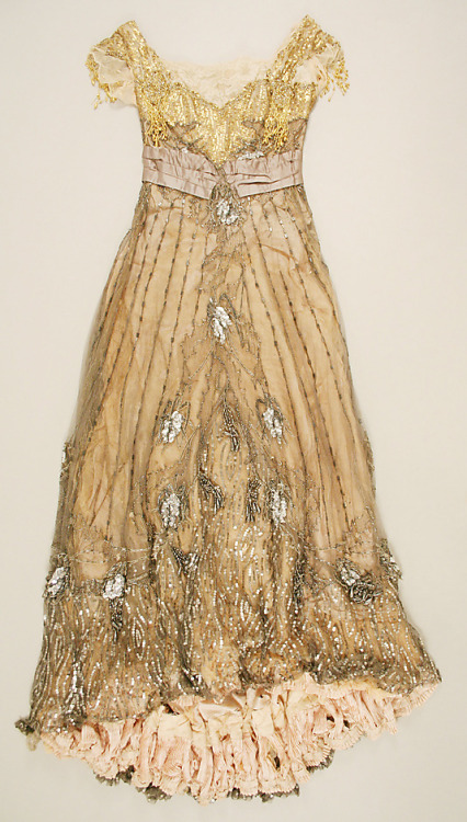 omgthatdress:  Dress Jacques Doucet, 1907-1908 The Metropolitan Museum of Art  So beautiful.