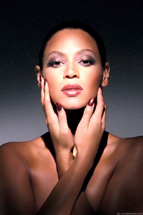 kiss-my-diva-ass:  Beyonce is Fierce but she will never be DIANA ROSS  tel ……Haters these days ….she definitely was just paying tribute..