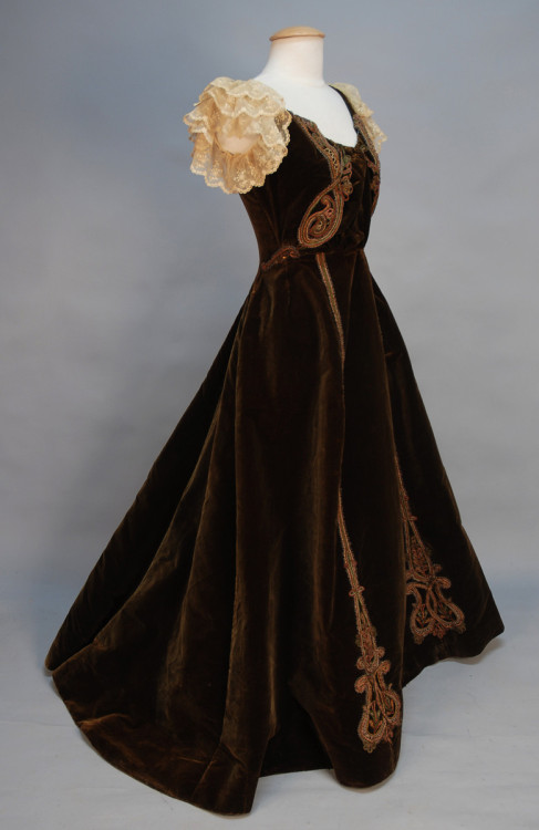 Evening Gown Jacques Doucet, 1890s Whitaker Auctions