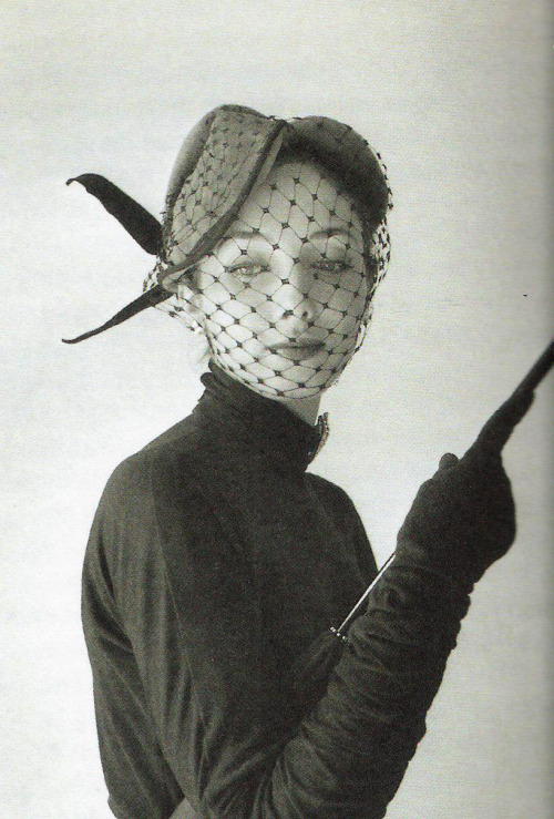 theniftyfifties:  Model wearing an ensemble by Jacques Fath, 1951. Photo by Willy Maywald.