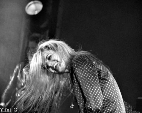 acandleandawick:  The Kills @ Luzern (20-07-2012) (credits to ramblingwoman78.tumblr.com)