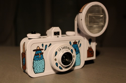 "Lomography ""La Sardina"" X LB Medium used : Acrylic paint"