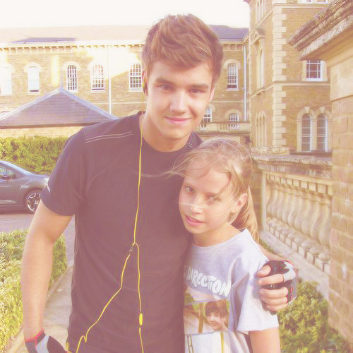 1/50 photos of liam payne [3]