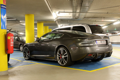 A brighter day Starring: Aston Martin DBS (by petpab)