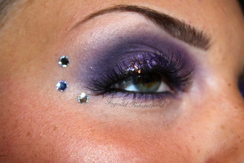 Another pic from the smokey lavender look. :)