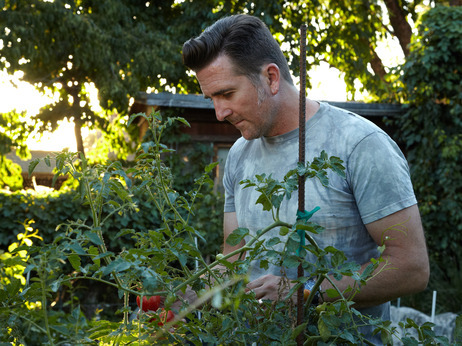 "Red Planet, Green Thumb: How a NASA Scientist Engineers His Garden I've seen enough shuttle launches streak the sky off the Atlantic coast to count myself a NASA fanboy. So when I caught this article, I felt a touch of warmth inside, knowing that the pioneers of the cosmic frontier still take time away from the business of combing Mars to decompress in the garden. Or, at least one NASA scientist does, a man with a killer limoncello recipe and perfect hair.  ""A lot could go wrong, and it's now out of his hands, but here in the garden, Steltzner takes charge. Surrounded by morning glory and fish peppers, kafir lime bushes and zinfandel grapes, he weeds and snips. Soon, instead of worrying about the rover, he's wondering what would happen if he mixed lavender in with his apricot jam.""  I admire these people like few others. A belated congrats to NASA on getting Curiosity to the red planet in one piece! —MN"