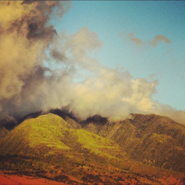 Cloud blanket on the West Maui Mountains. #maui #hawaii #ermahmauri  (Taken with Instagram)