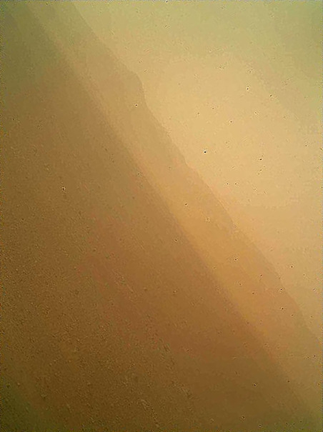 nevver:  First color image from Curiosity