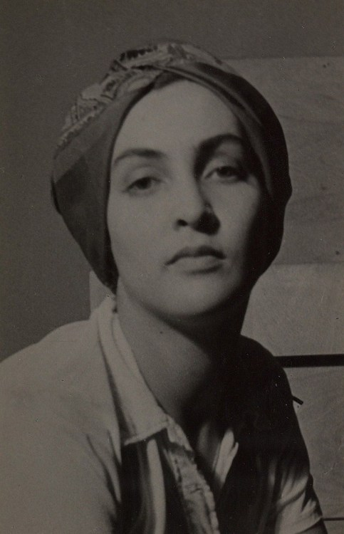 holdthisphoto:  Meret Oppenheim, 1930 by Man Ray