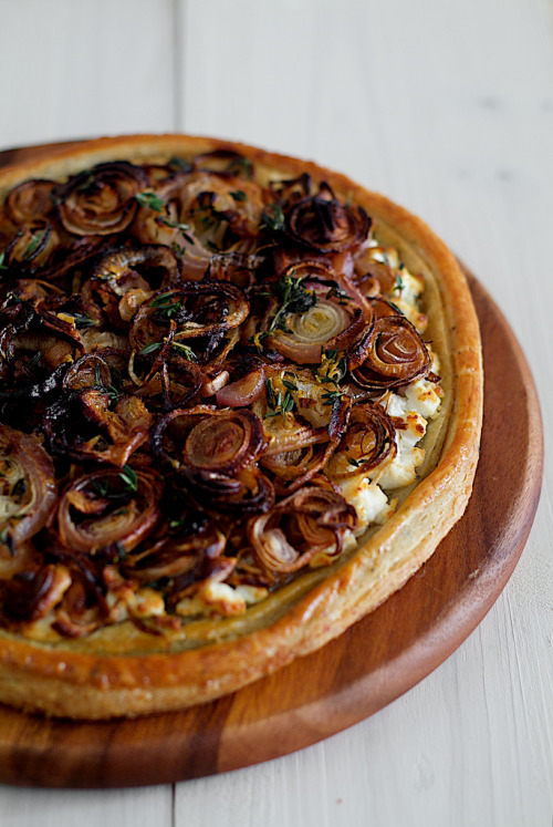 forksnknives:  Pick Yin: Roast Onion Shallot Tart