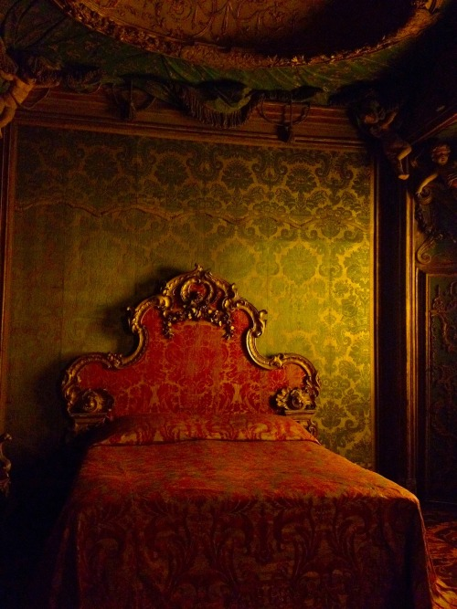 gallarusarts:  Venetian Bedroom. Metropolitan Museum of Art