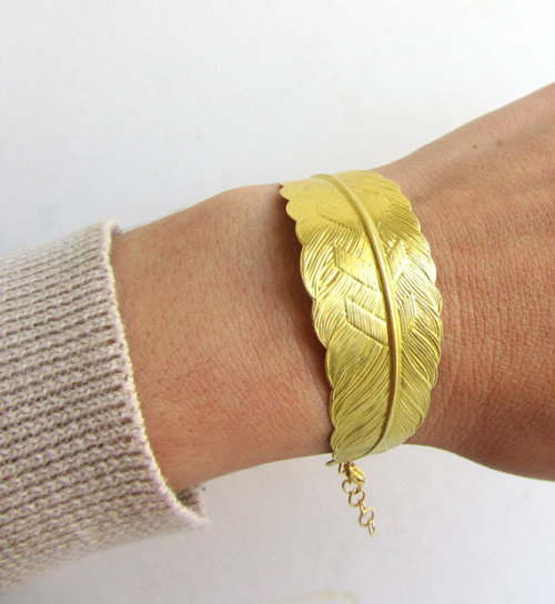 arrowsrain (via Gold feather bracelet Gold brass chain Big bracelet by arrowsrain)