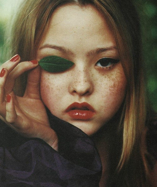 petrole:  devon aoki by ellen von unwerth for i-D september 1998