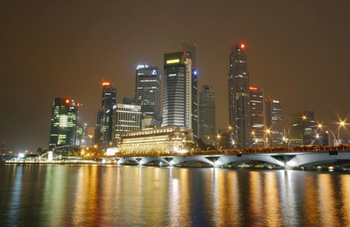 - Singapore Skyline at Night!