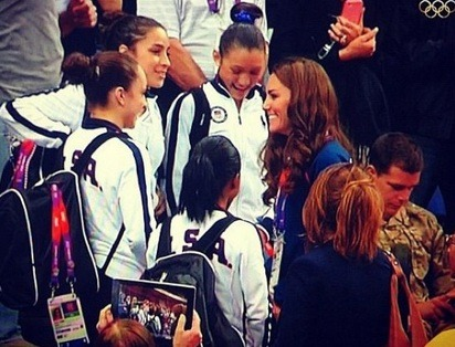 #OLYMPICS2012 Duchess of Cambridge, Kate Middleton, took time out to meet with the USA female gymnastics team.
