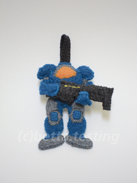 Terran Marine from StarCraftII ————— Materials: Arctic fleece, polyester stuffingDimensions: Height - 2.5 inchesCompleted: 08.07.12—————Terran Marine (c) Blizzard