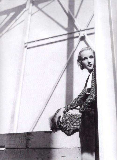busykinging:  Actress Carole Lombard By: Cecil Beaton, 1931