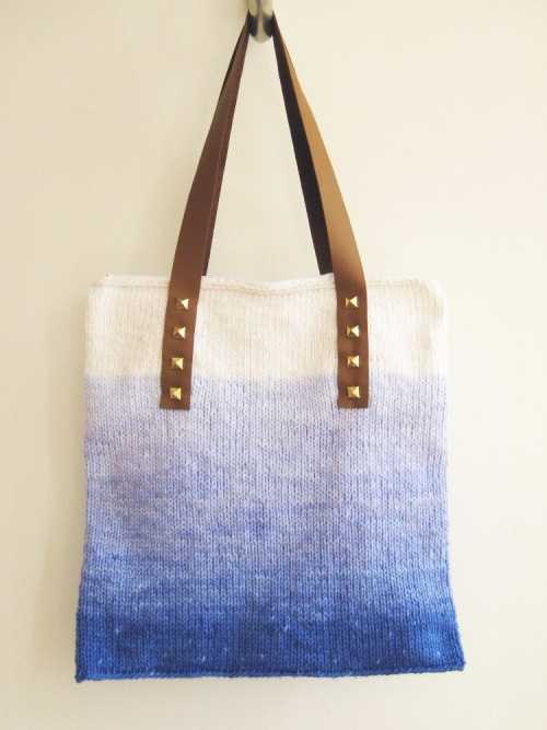 howdidyoumakethis:  Make an ombre dyed cotton bag with leather straps that are held on by studs.